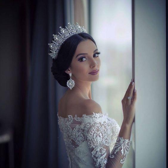 Wedding Hairstyles With Tiara: Bridal Hairstyles With Tiaras