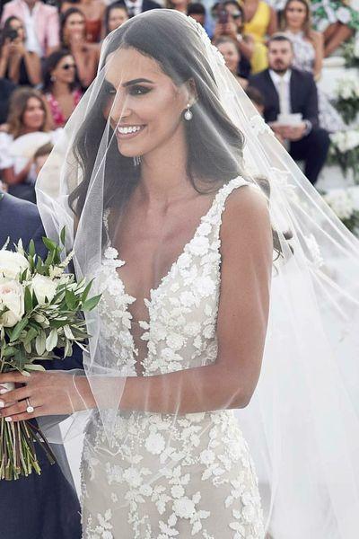 Hair Down Bridal Hairstyle Arabia Weddings