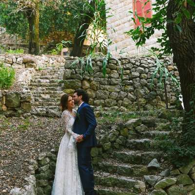 حفل زفاف رومانسي وحميم في لبنان