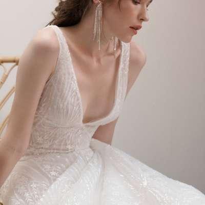 فساتين زفاف ريفيني لخريف وشتاء 2021 من تصميم ريتا فينيريس