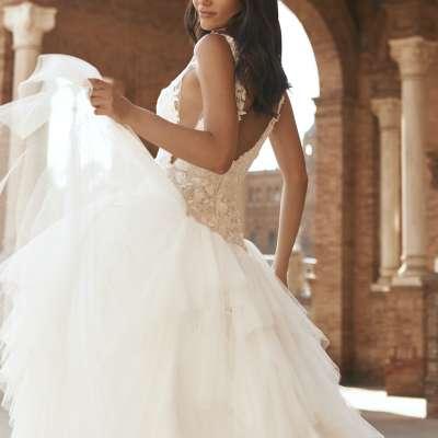 أجمل فساتين الزفاف من ماركيزا وبرونوفياس