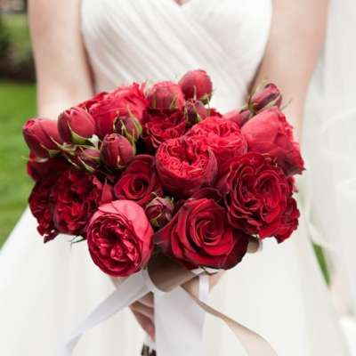 Beautiful Red Wedding Bouquet Ideas