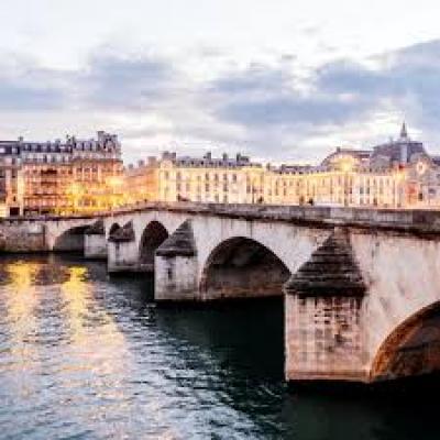 شهر العسل في فرنسا