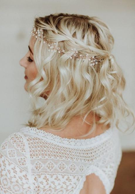 Bridal Hairstyles For Brides with Medium Length Hair