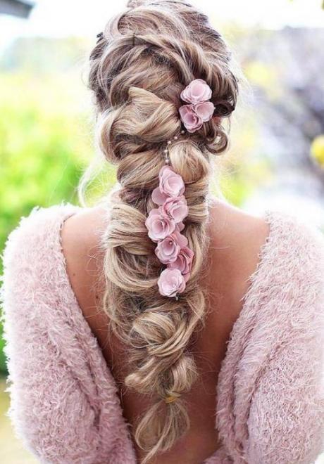 Glamorous Bridal Hairstyles We Love