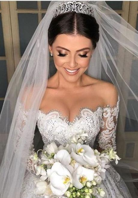 Bridal Hairstyles with Veils and Tiaras