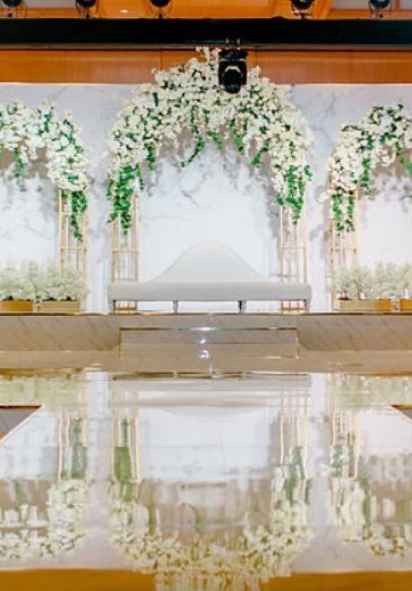 أجمل كوش أفراح بأنامل أشهر منظمي حفلات الزفاف في الإمارات