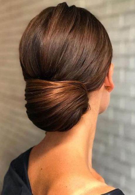Beautiful Minimal Bridal Hairstyles