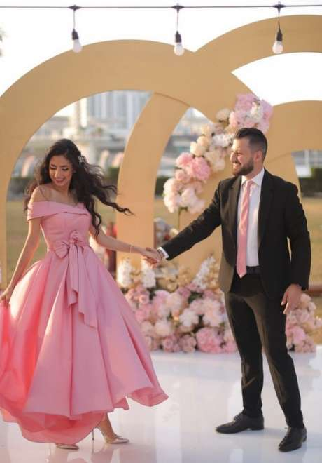 حفل خطوبة جميل في الهواء الطلق في دبي