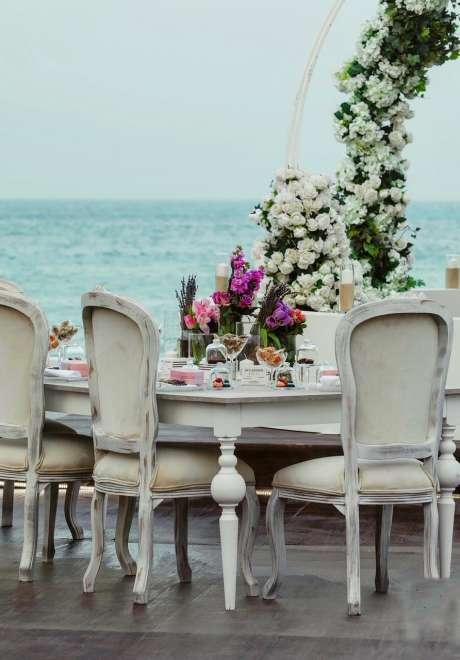 A Charming Seascape Wedding in Qatar
