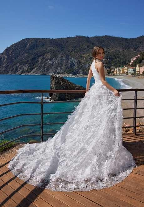 فساتين زفاف إينيس دي سانتو لربيع وصيف 2022