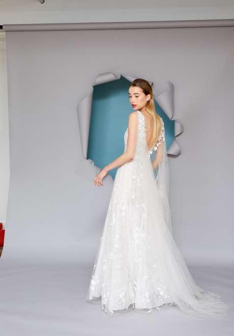 فساتين زفاف جريسي عقاد لربيع 2022