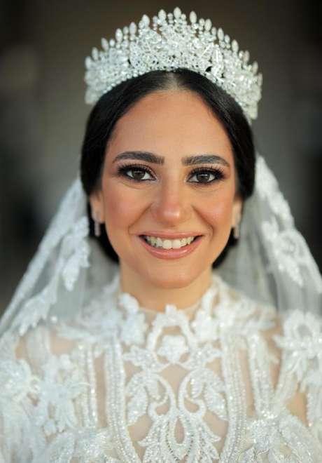 حفل زفاف نابض بالحياة والحيوية في القاهرة