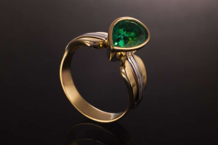 10 Tips for Finding the Best Statement-Making Emerald Rings for Men