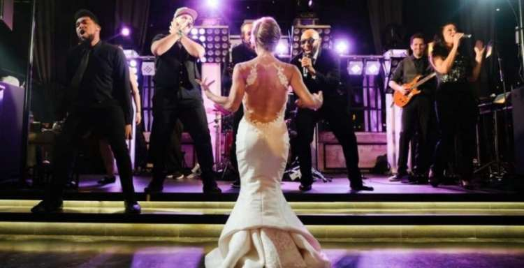 DJ or Band: What Should You Choose for The Wedding?