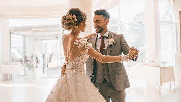 كيفية اختيار أغاني الزفاف