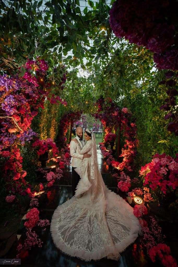 حفل زفاف نابض بالحياة في القاهرة