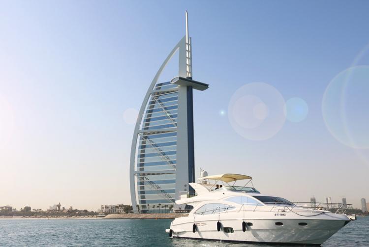 اسفار لليخوت - دبي