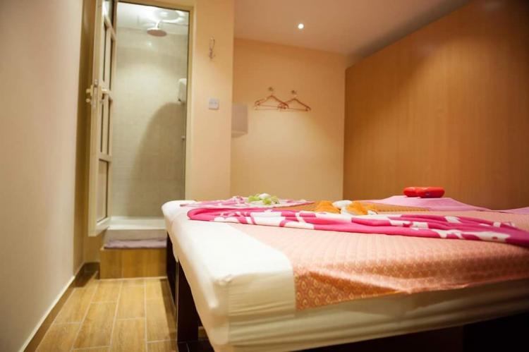آن سبا في فندق السفير - البحرين