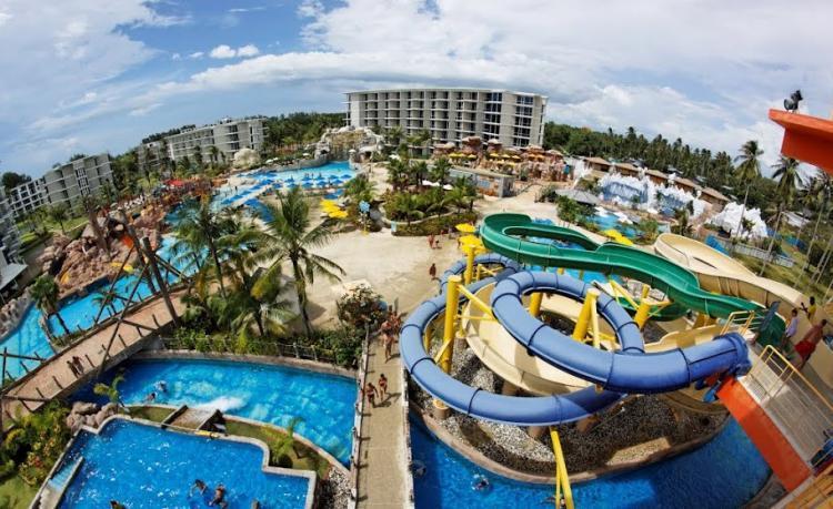 حديقة الألعاب المائية