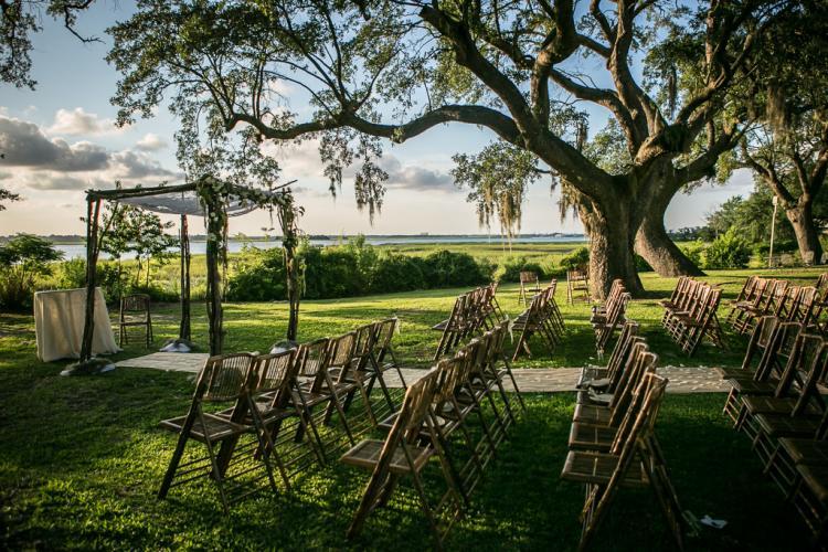 مكان خارجي لحفل الزفاف