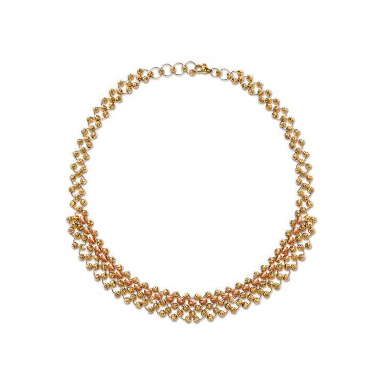 عقد ذهبي من مجوهرات الليالي
